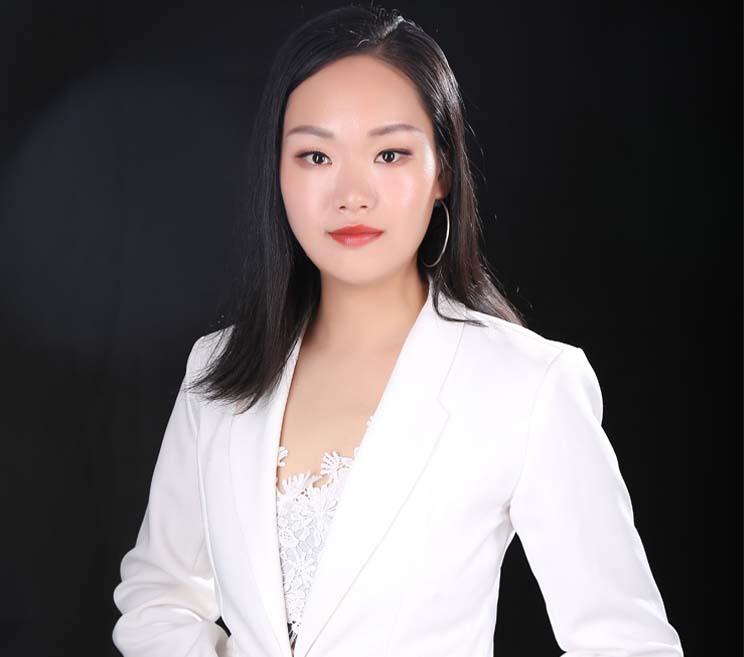 风格化元素搭配首席设计师-邓秀玲